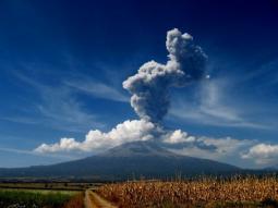 Recente attivit� del vulcano Popocatepetl in Messico