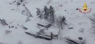 EMERGENZA MALTEMPO: Abruzzo in ginocchio tra neve e terremoti