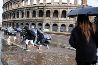 ALLERTA METEO ROMA: PIOGGIA E VENTO NELLE PROSSIME ORE