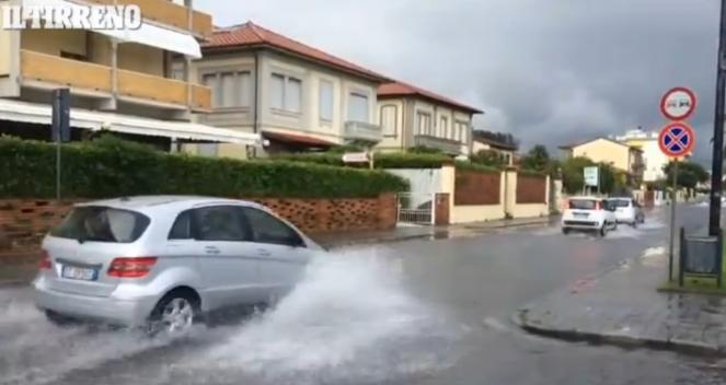 Maltempo in Versilia: zona completamente allagata