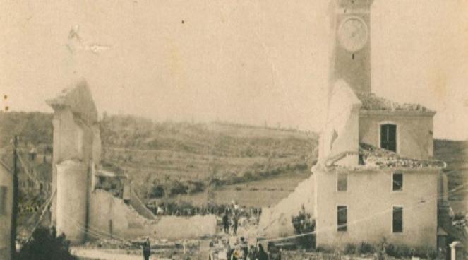 La Chiesa di Selva del Montello(TV), completamente rasa al suolo dall F5 del 24 Luglio 1930: il campanile ha resistito alla furia scatenata del vortice, ma ha subito pesanti danni strutturali.