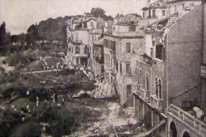 S. Elena, Venezia: quartiere devastato dall\\\\\\\\\\\\\\\\'F4 dell\\\\\\\\\\\\\\\\'11 Settembre 1970. Alla fermata del vaporetto si consum� la tragedia in cui persero la vita 21 persone per annegamento.