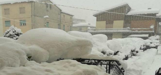 MALTEMPO: neve, freddo e bufere di vento. E emergenza tra Marche e Abruzzo