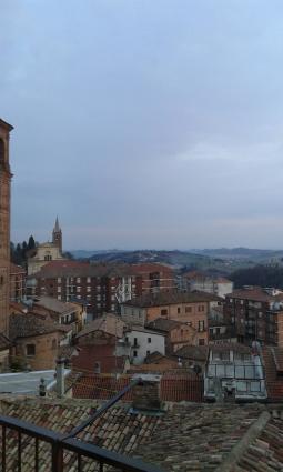 Moncalvo centro foto gallery 3b meteo for Piscina comunale asti