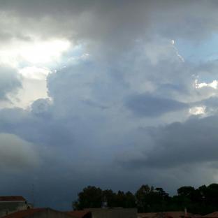 Meteo Bologna: molte nubi fino a martedì, bel tempo mercoledì