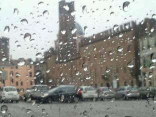 Meteo Mantova: piogge domenica, molte nubi lunedì, qualche possibile rovescio martedì
