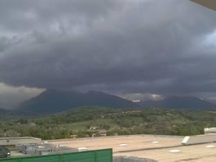 Meteo Belluno: molte nubi domenica, piogge lunedì, qualche possibile rovescio martedì