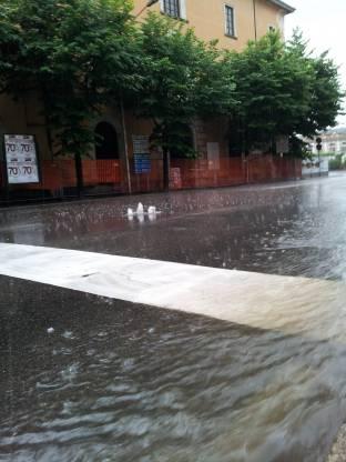 Meteo Varese: piogge martedì, qualche possibile rovescio mercoledì, temporali giovedì