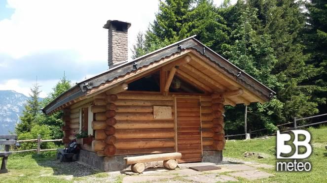 Baita di bambesta foto gallery 3b meteo for Baita di legno