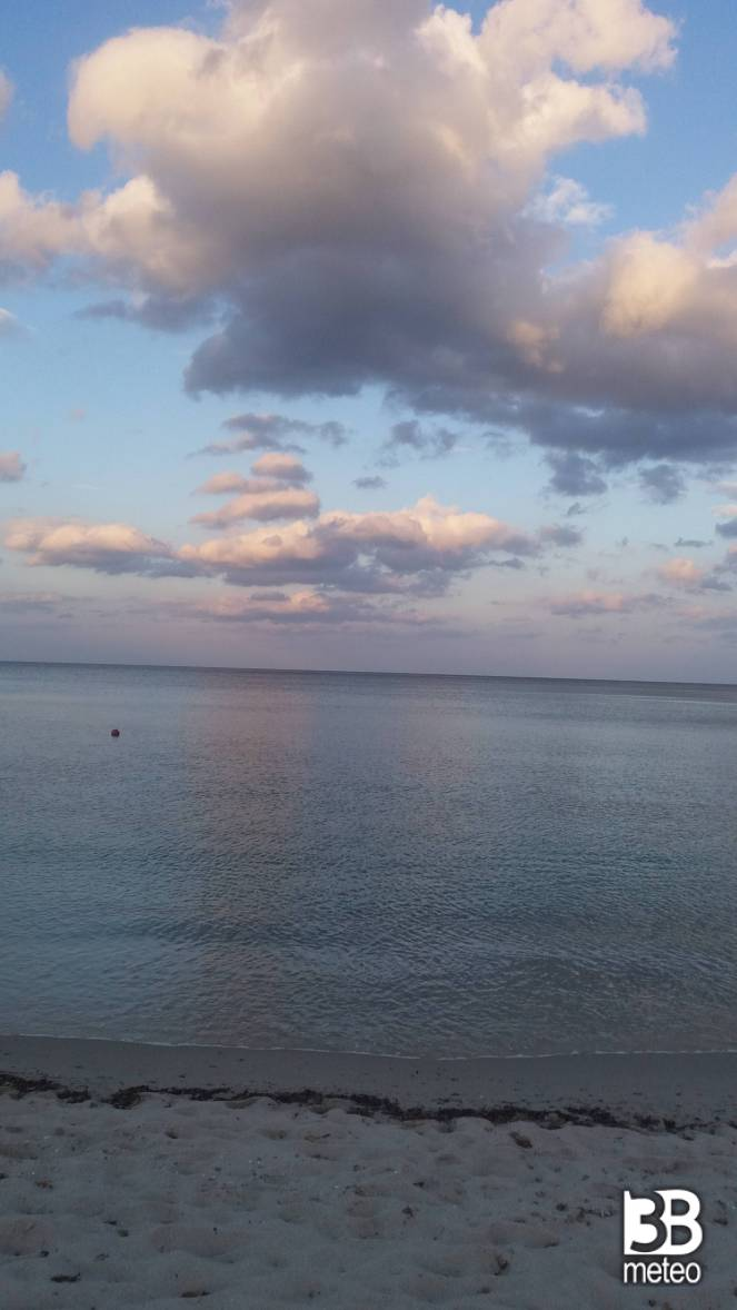 Spiaggia di agrustos foto gallery 3b meteo for Agrustos mare