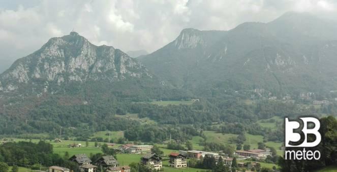 Vista sulla funivia dei piani di bobbio foto gallery for Piani di serra in collina
