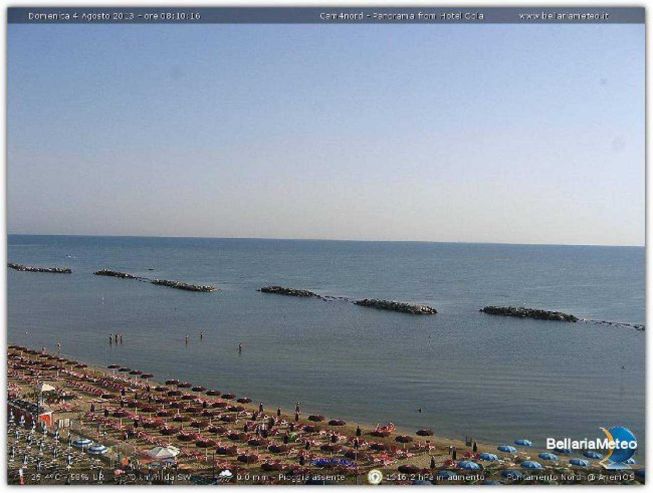 Tutto Pronto Sulla Riviera Adriatica Per Una Bella Giornata Di Mare