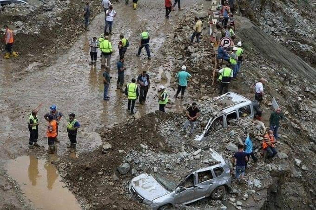 Alluvione a Rize (Turchia). Fonte immagine: Alerta Cambio Climatico via twitter)