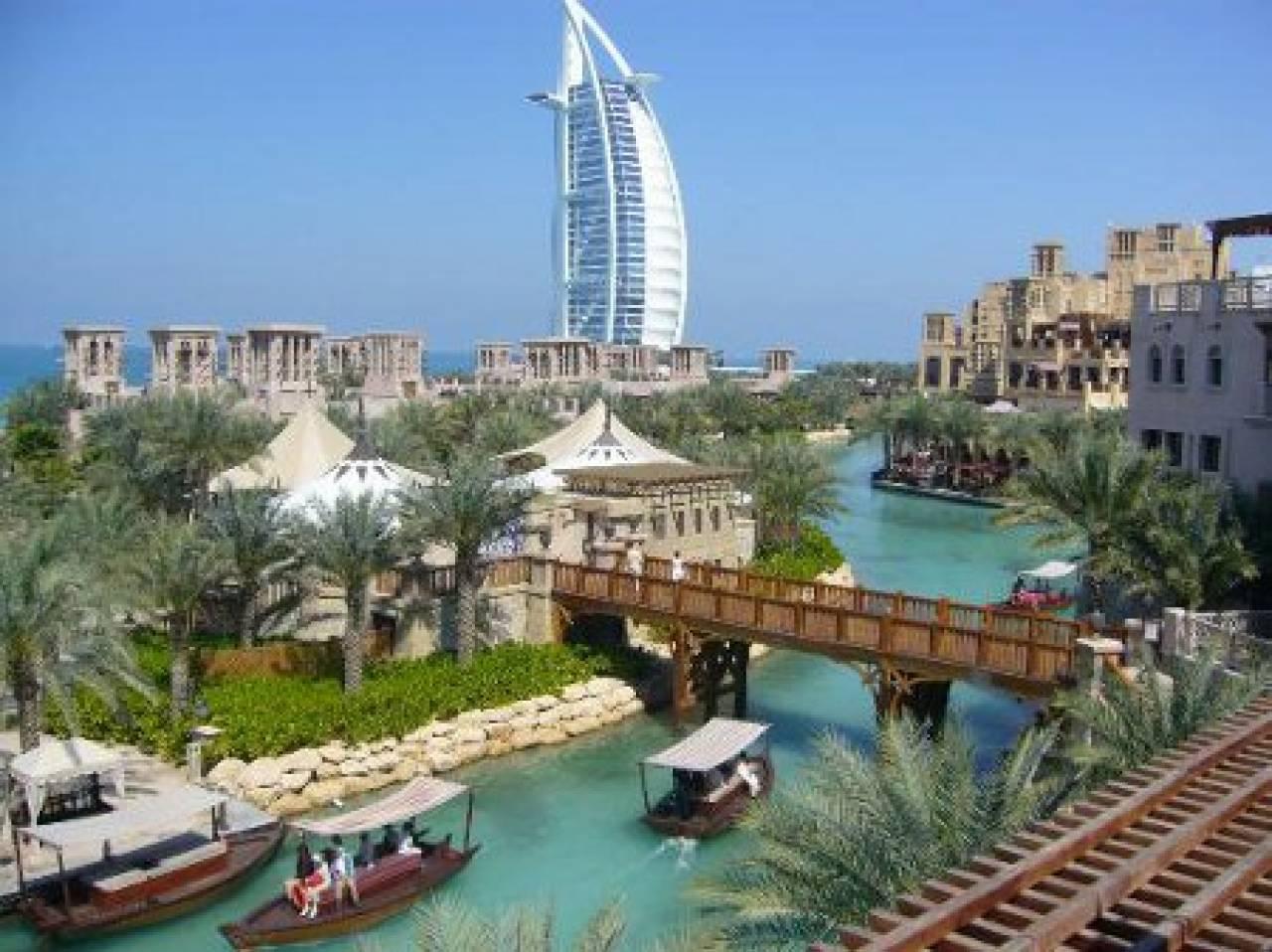 Dubai in una delle numerosissime giornate di sole