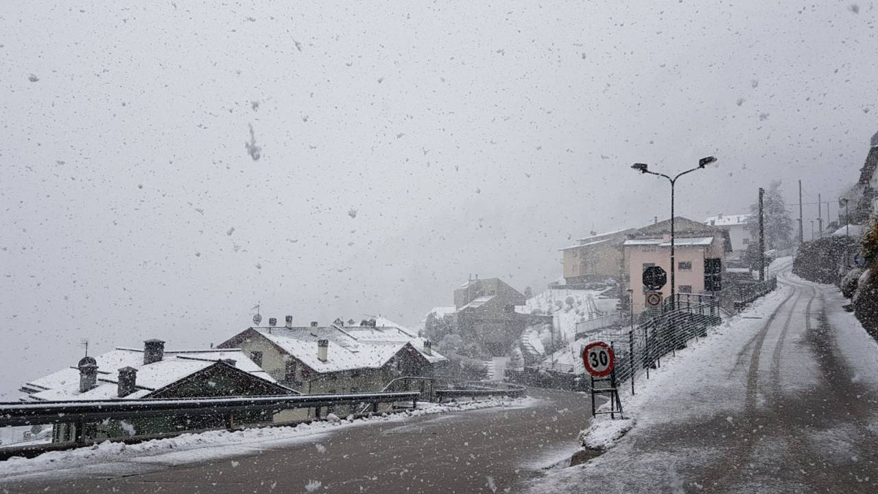 CRONACA METEO: insoliti temporali di neve sui rilievi del Nord, rapido peggioramento al Sud