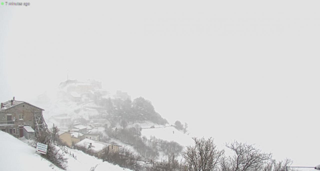 Bufera di neve a Castelluccio di Norcia