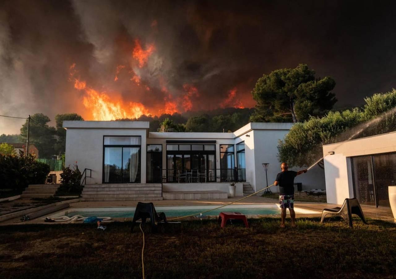 Caldo intenso e incendi, grave situazione in Francia