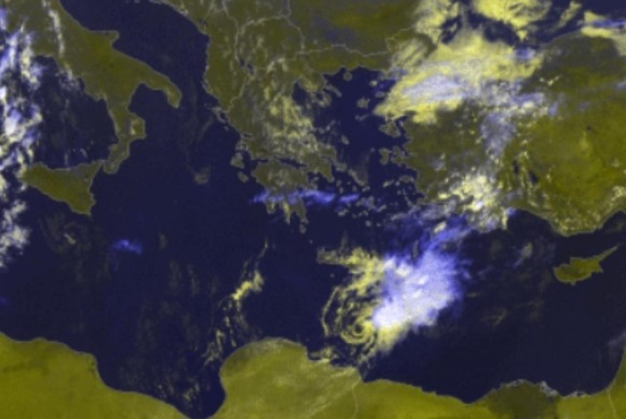 Ciò che resta dell'uragano mediterraneo che ha coinvolto la Grecia e si sposta verso Libia ed Egitto