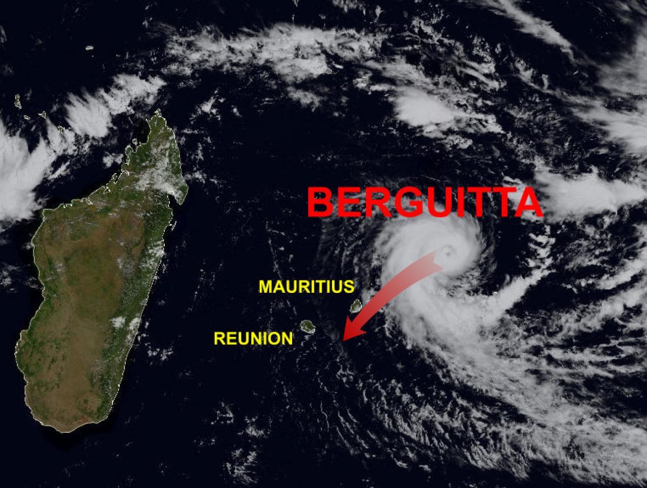 Ciclone tropicale Berguitta, categoria 3, a due passi dalle Isole Mauritius