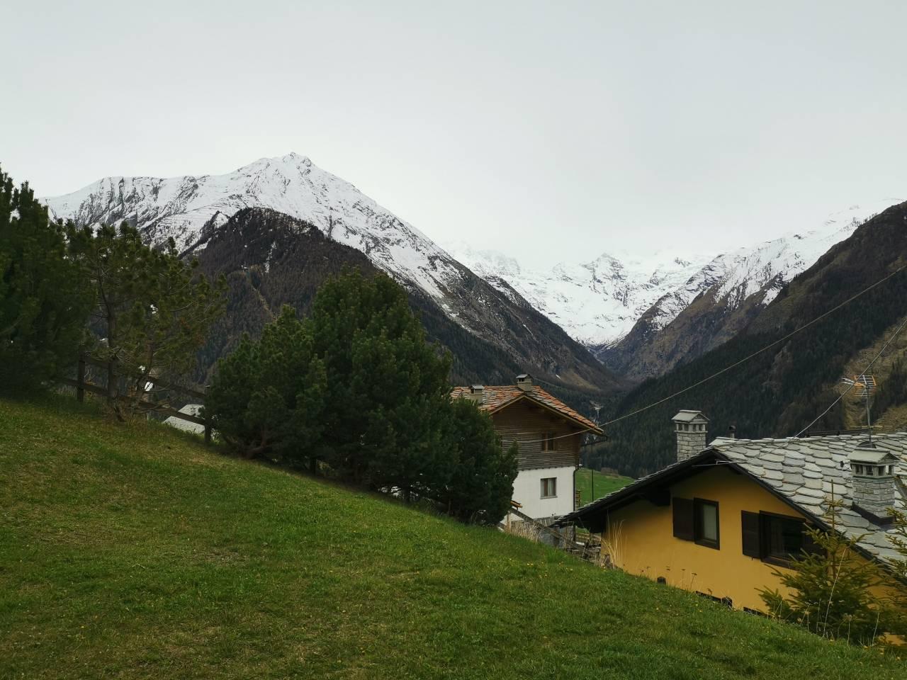 Cogne (AO). Nubi in intensificazione sulle Alpi occidentali per l'avvicinamento di un nuovo fronte dalla Francia