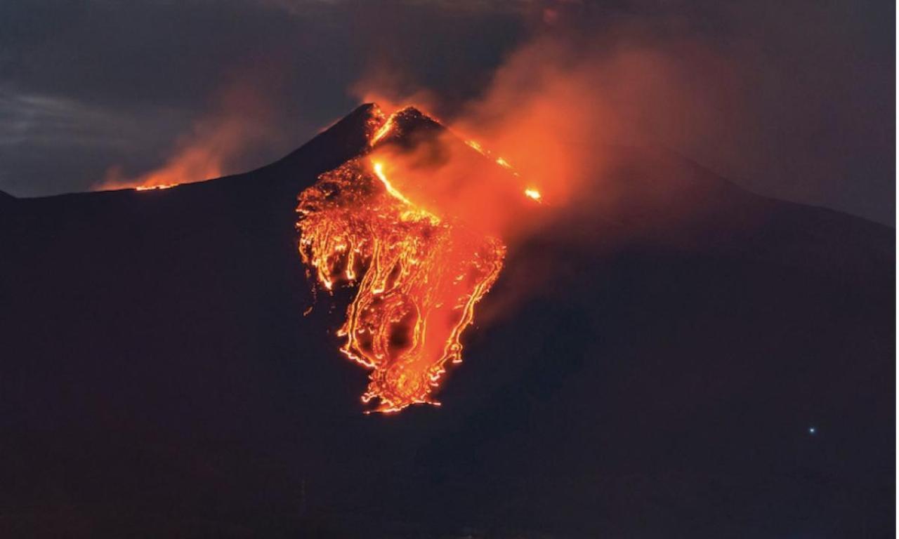 Etna, eruzioni esplosive e ripetute, quale può essere la ragione