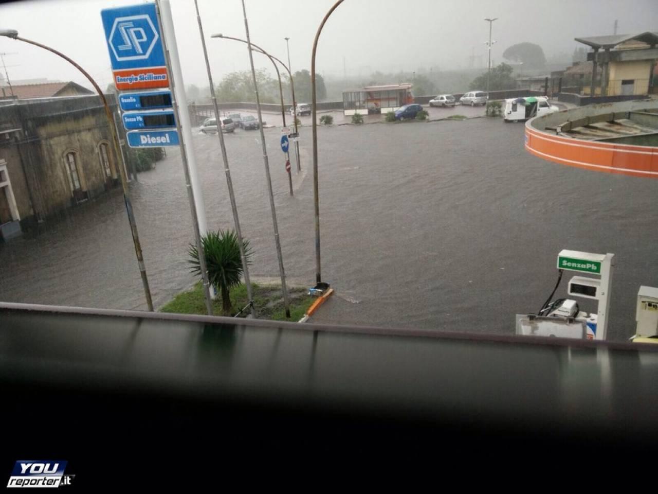 Ciclone Sulla Sicilia Allerta Meteo Alluvione Allagamenti A