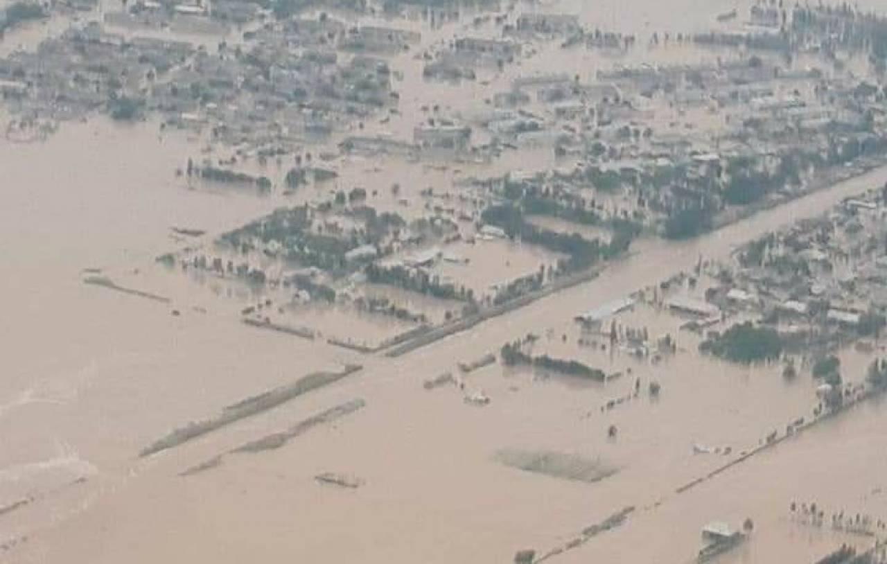 Grave incidente tra Uzbekistan e Kazakistan, l'alluvione inonda decine di paesi
