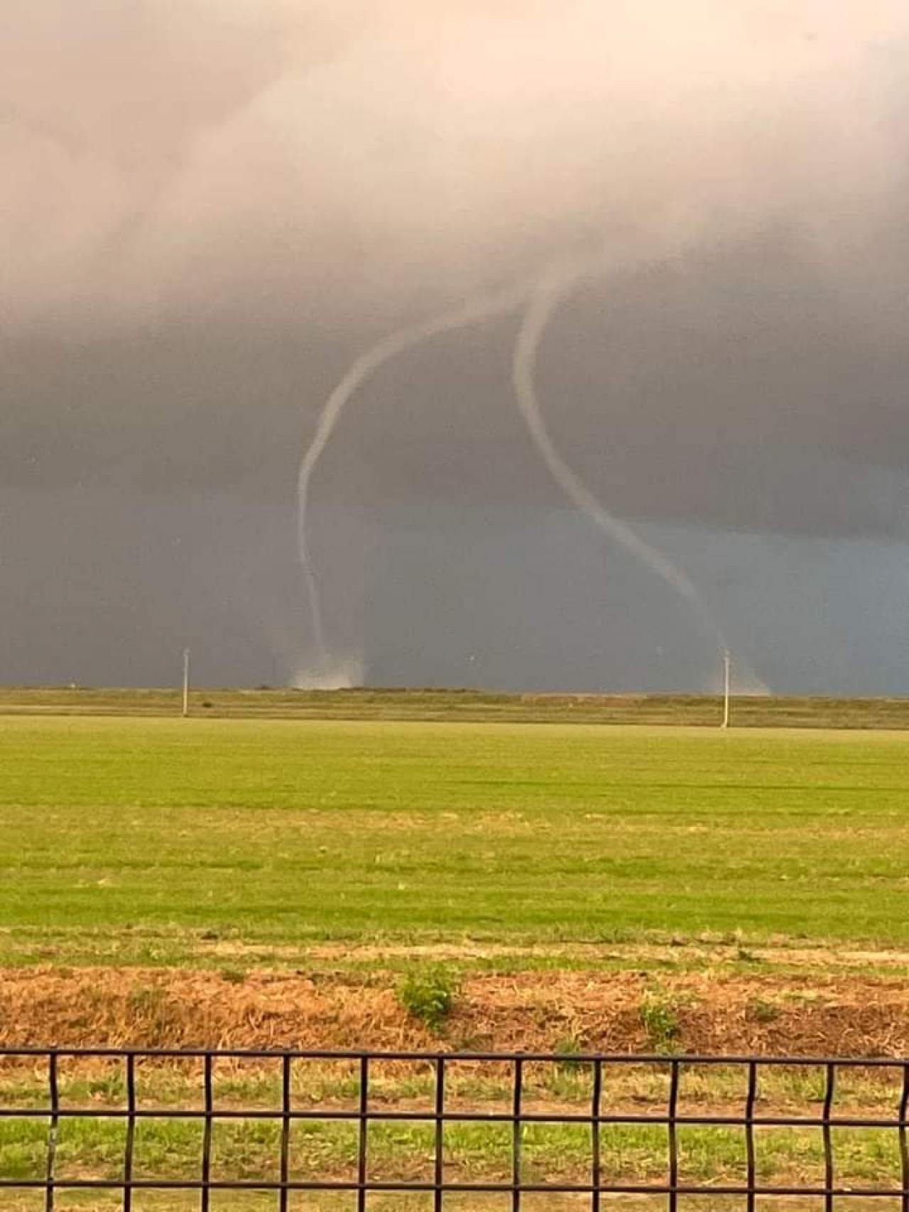 I tornado a Pila, nel rodigino. Ringraziamo DANIELE EBERLE per la foto
