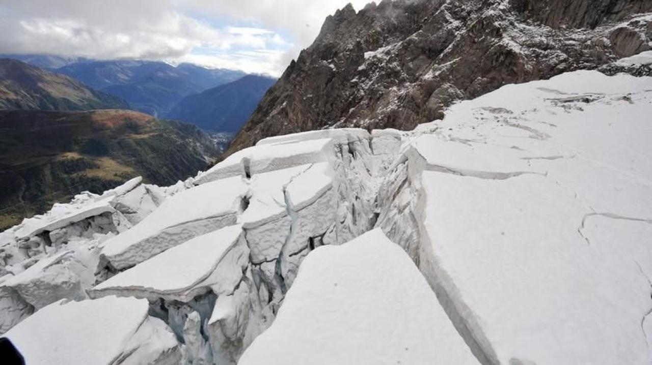 Il ghiacciaio Planpincieux ha ripreso a muoversi, scatta l'allerta nella Val Ferret