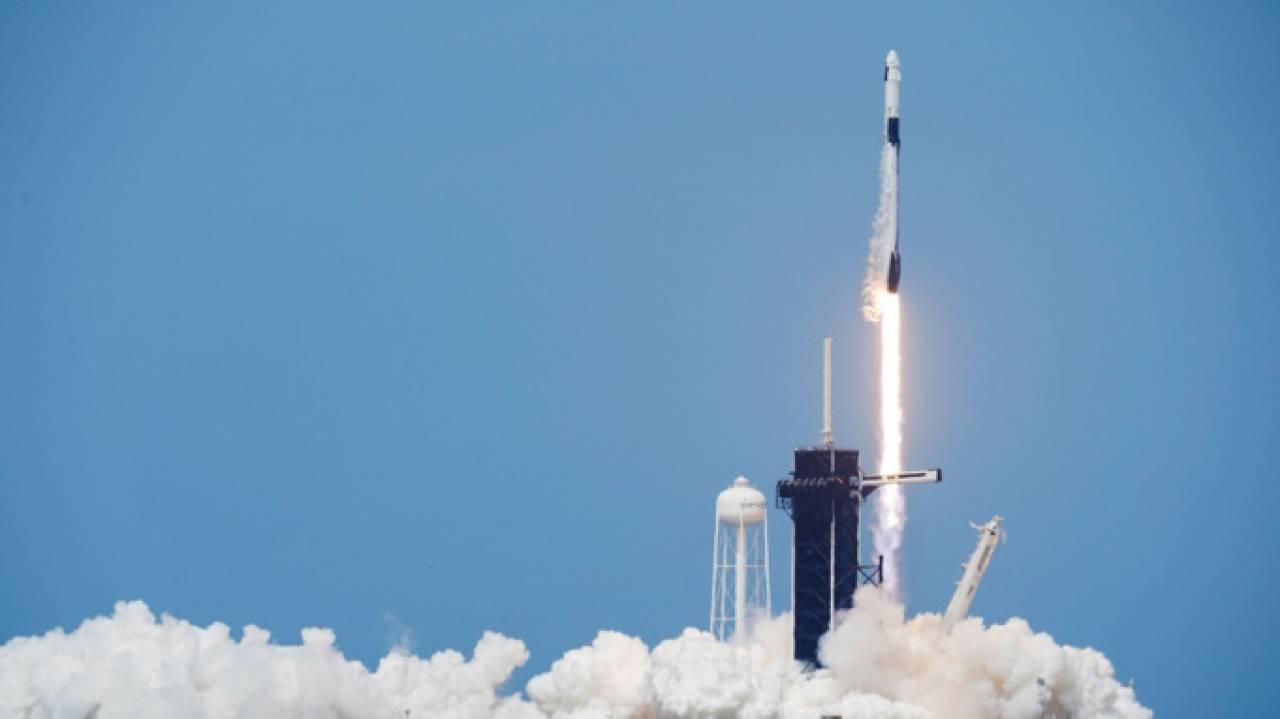 Il lancio della Crew Dragon (Fonte immagine: David J Phillip/AP/Shutterstock)