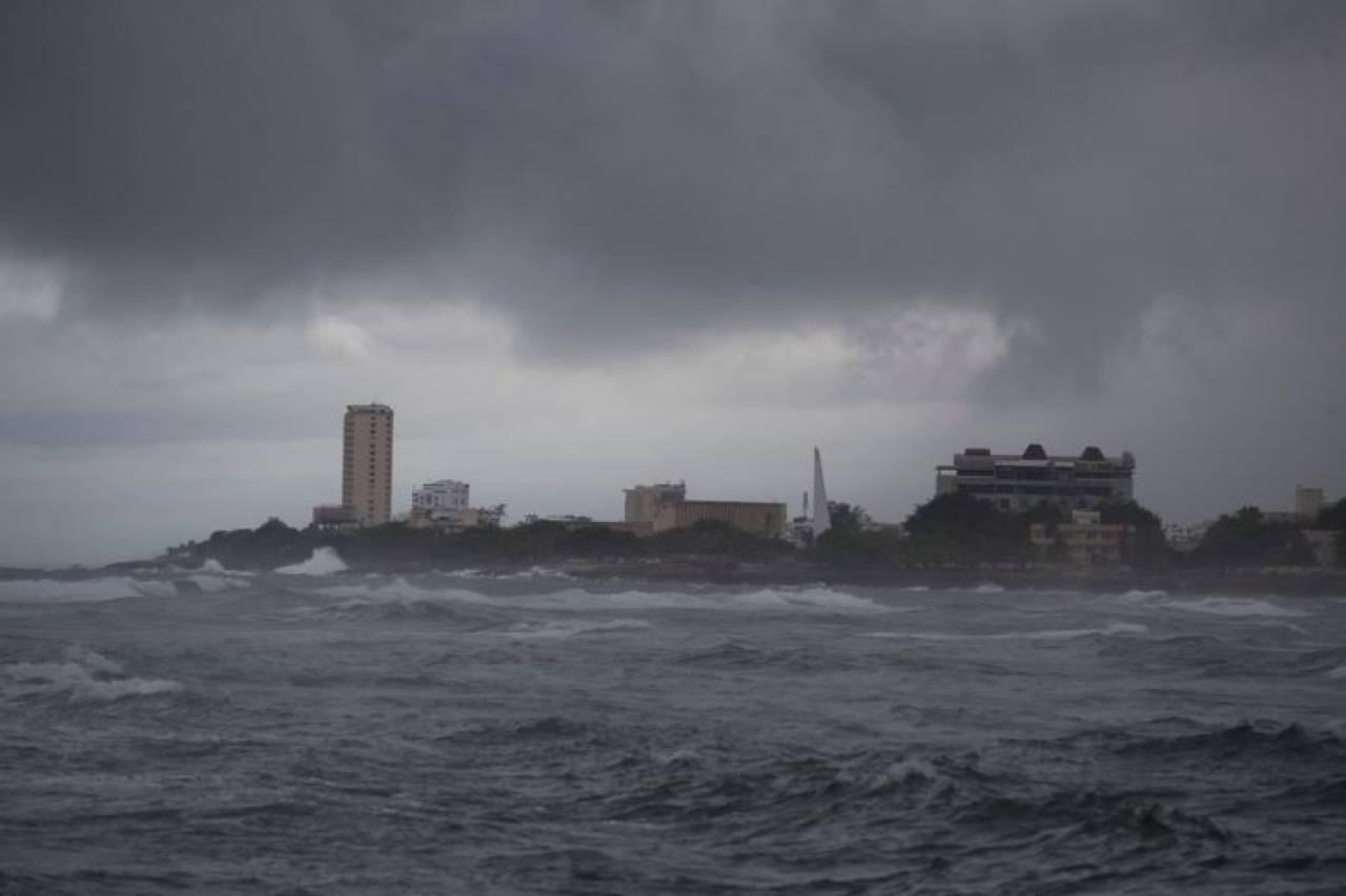 Il passaggio di Isaias sulla Repubblica Dominicana (Fonte: straitstimes.com)
