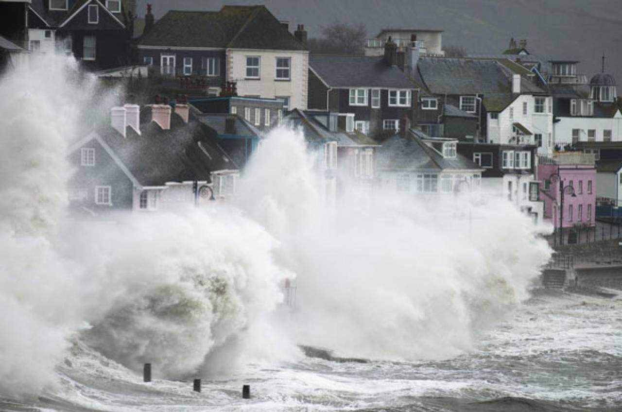 Regno Unito - Arriva la super tempesta Diana, porterà venti distruttivi fino a 150-160km/h