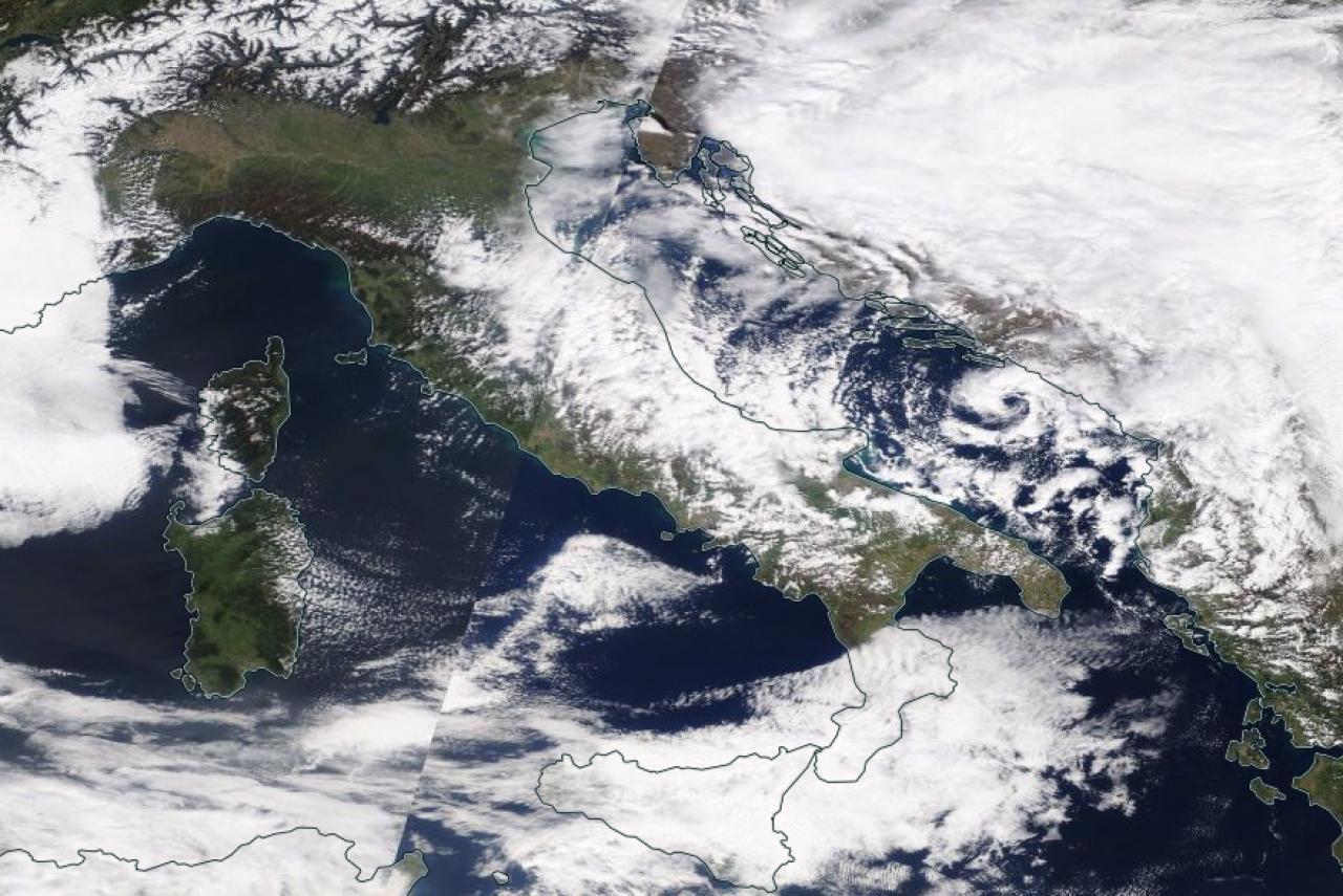 Immagine sat dal visibile ( Eosdis)