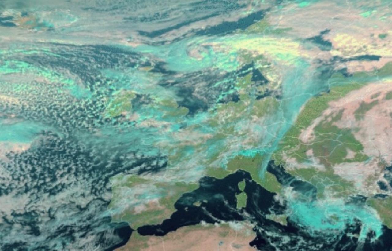 Immagine satellite di mercoledì