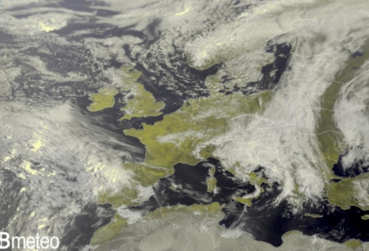 Immagine satellite martedì pomeriggio