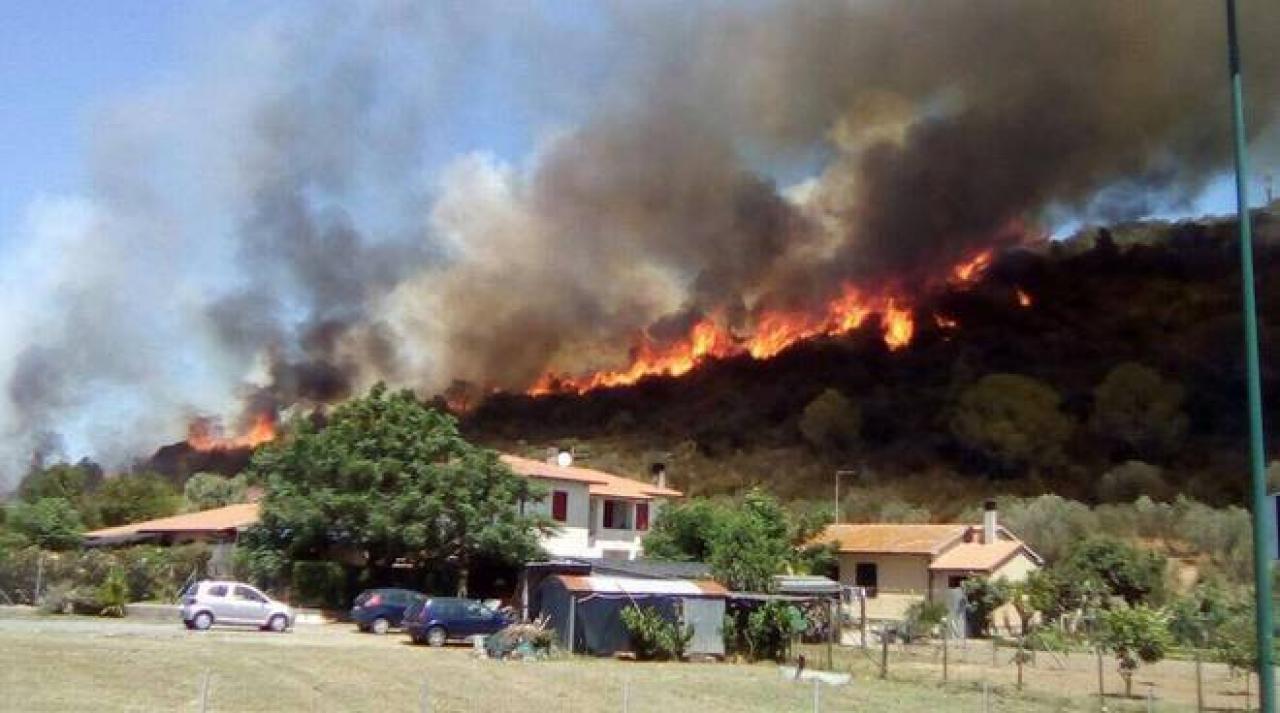 La toscana brucia situazione critica a castiglione della for Ristorante da antonietta castiglione della pescaia