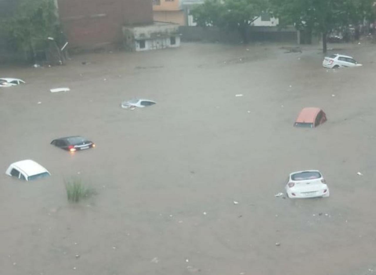 Jaipur alluvionata (Fonte immagine: Priyanshu Charan via Twitter)