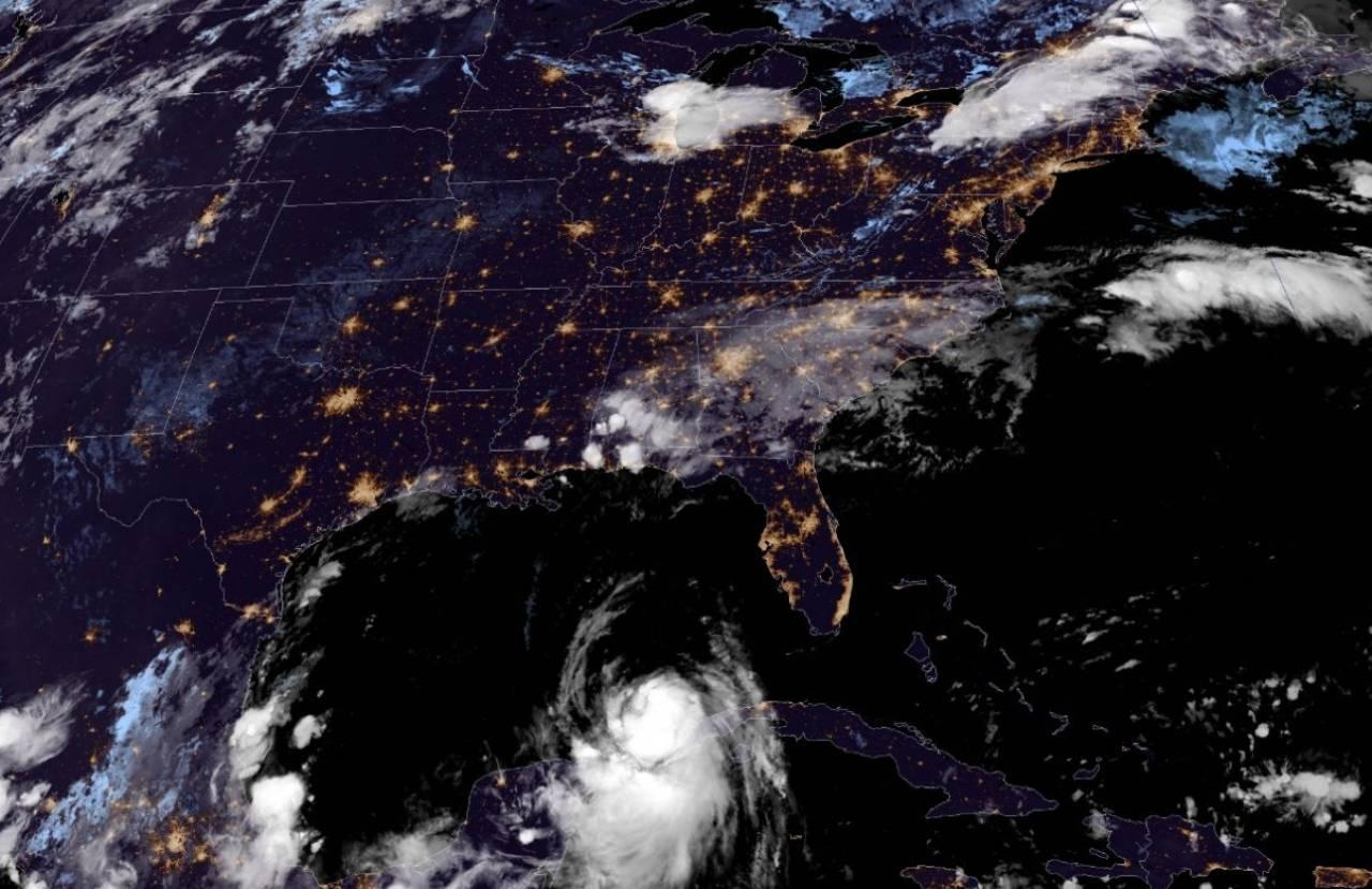 L'uragano Laura ben visibile dal satellite