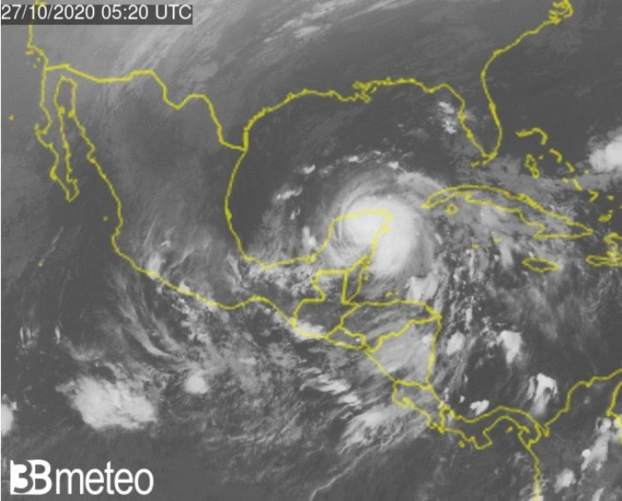 L'uragano Zeta visto dal satellite