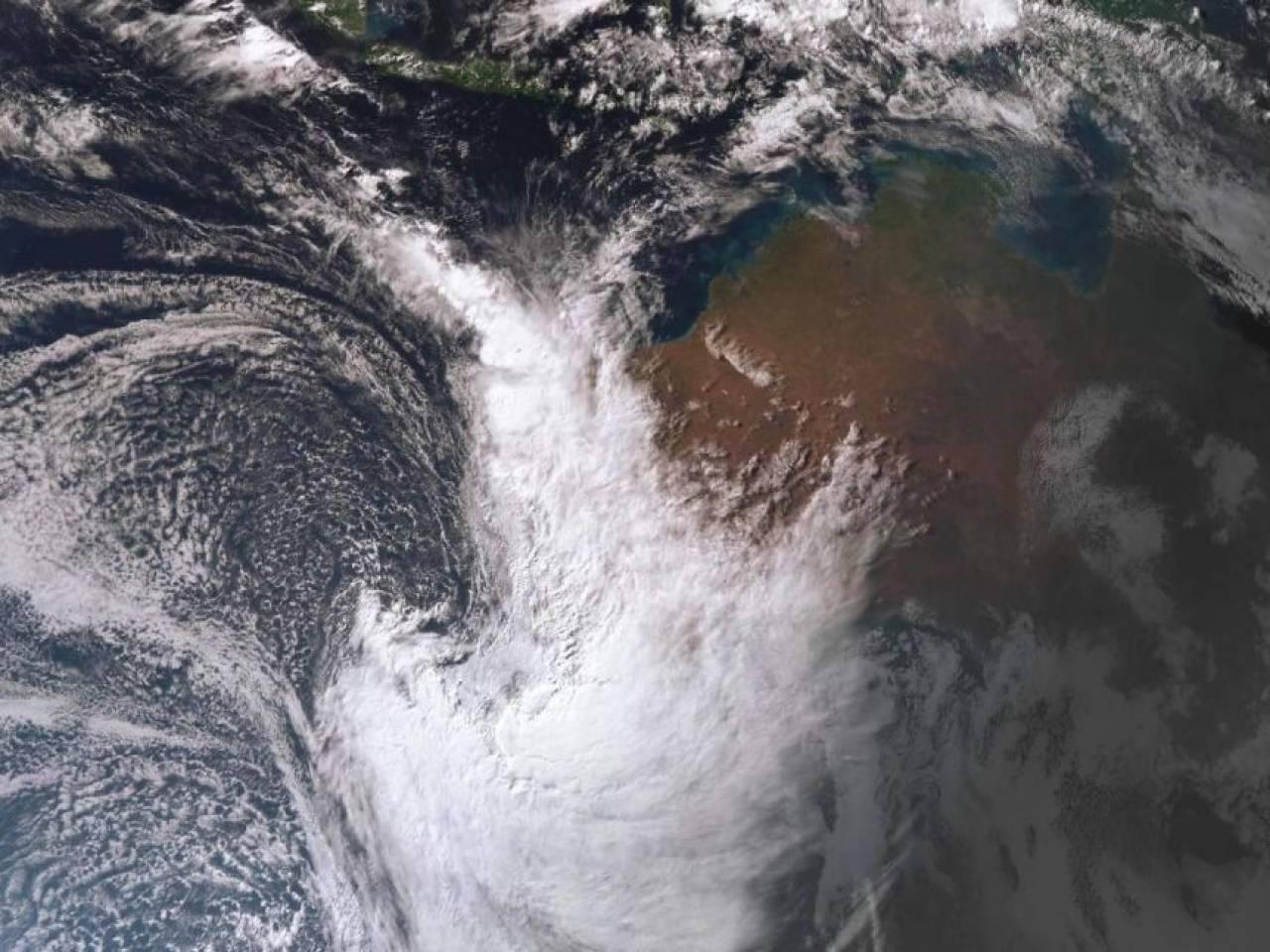 La tempesta Mangga vista dal satellite