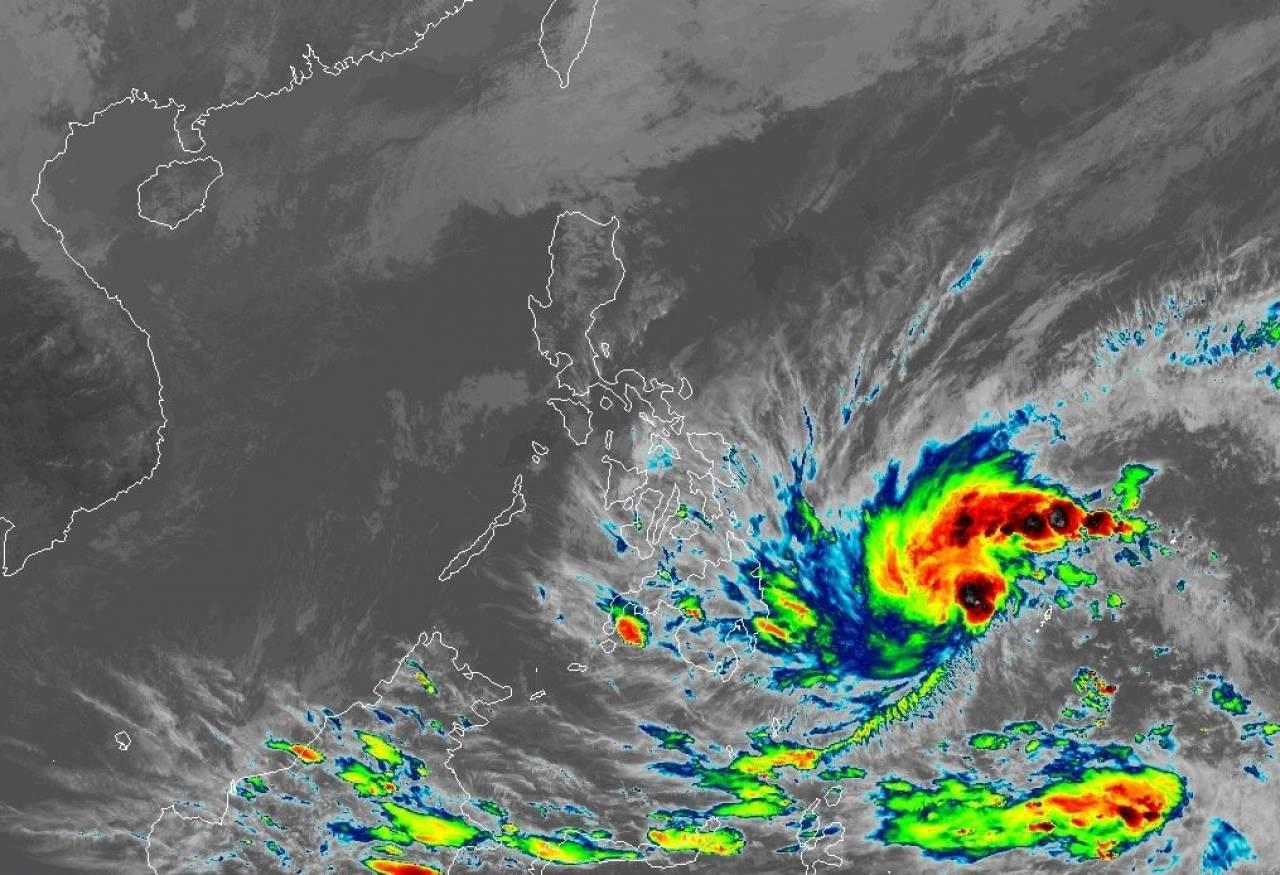 La tempesta tropicale Dujuan verso le Filippine