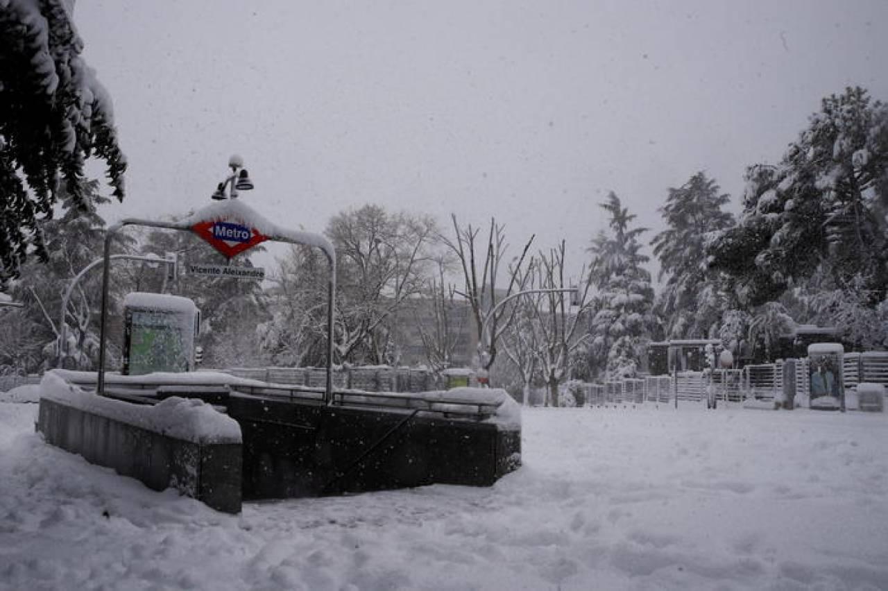 Madrid sotto la nevicata (Fonte ANSA)