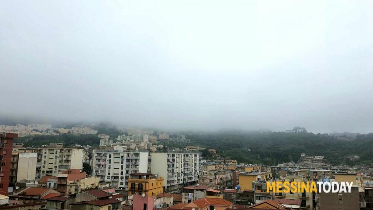Messinatoday, la nebbia che avvolge la città di Messina