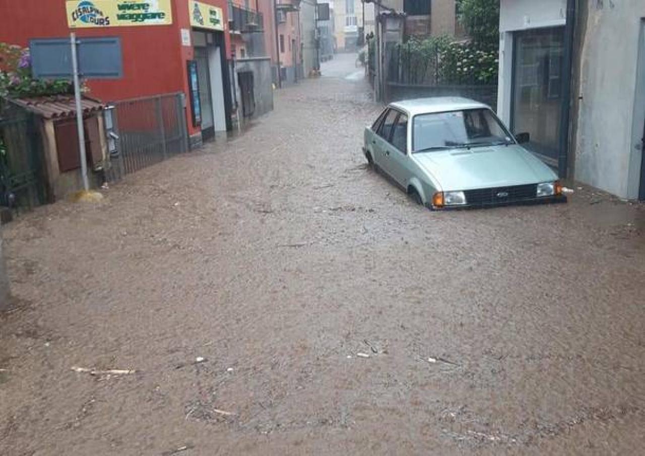 Meteo forte maltempo al Nord, alluvione nel Varesotto (fonte varesenews)