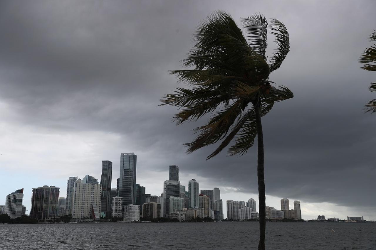 Miami in attesa dell'arrivo di Isaias (Fonte immagine: enca.com)