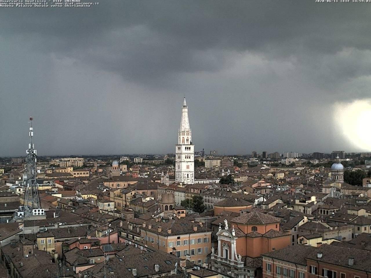 Modena, poco prima delle ore 15