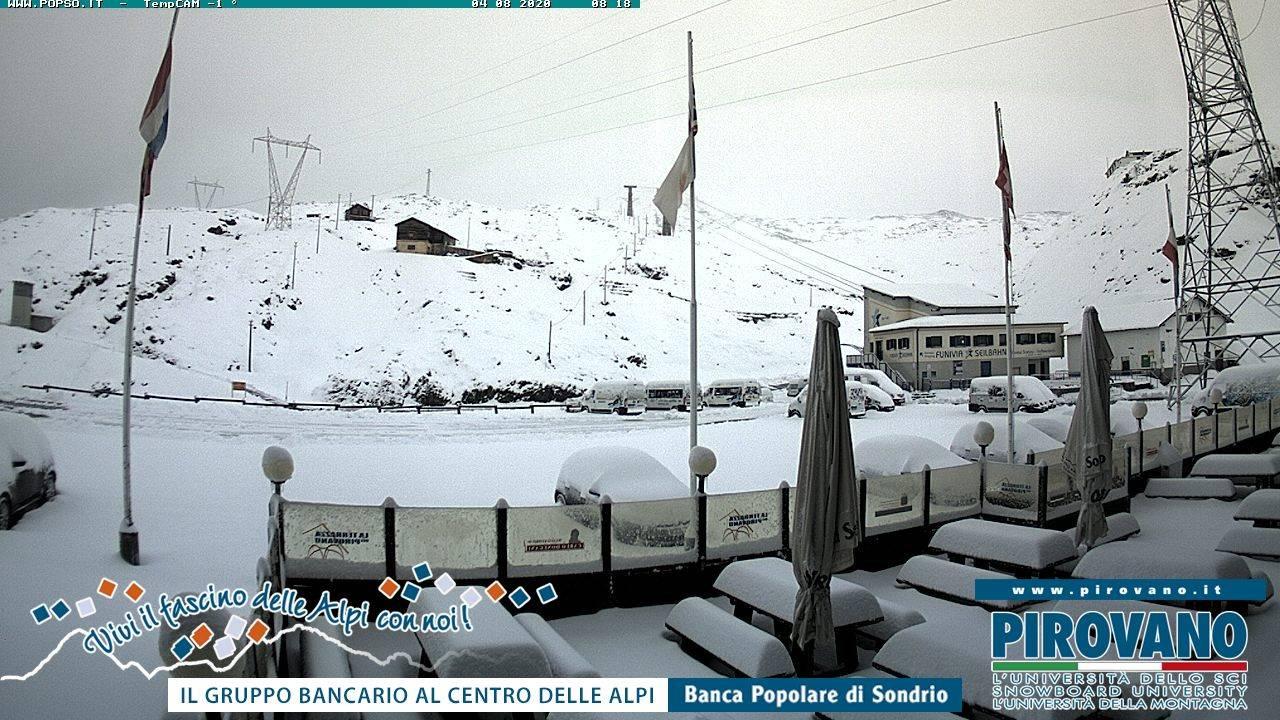 Neve al Passo dello Stelvio