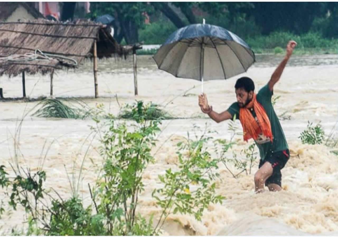 Piogge monsoniche provocano alluvioni e inondazioni in Nepal