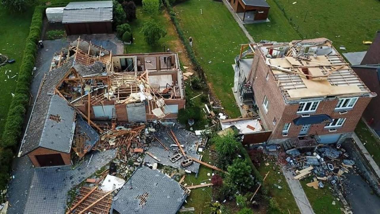 Severo maltempo in Europa, temporali, grandinate, tornado. (fonte foto facebook Land Of Mountains)