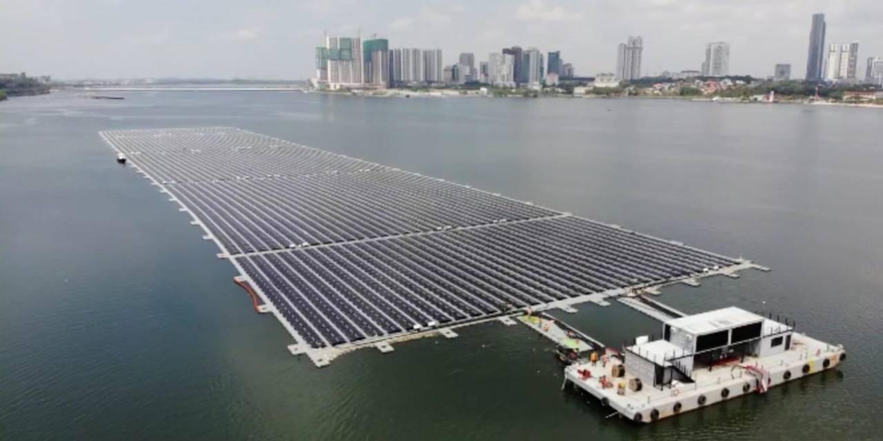 Singapore inaugura il parco solare galleggiante più grande del mondo